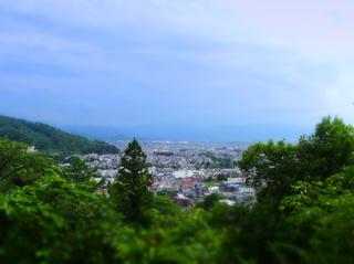 58天寧寺近藤勇墓近より会津s.jpg
