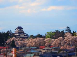 61小田山善龍寺山門から鶴ヶ城s.jpg
